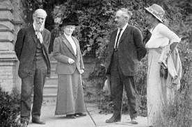 Photo of John Muir with Mrs. J. D. Hooker, and Edward and Marion Parsons