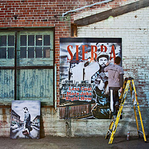Street artist Eddie Colla at work